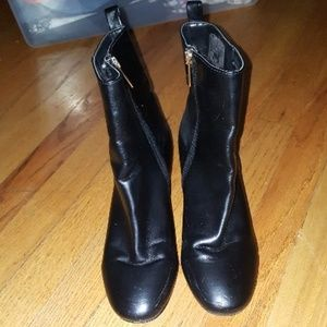TOPSHOP Black Ankle Gold Heel Booties